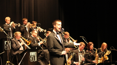 Tom Lindsay perfoming with a Sinatra Swing Orchestra